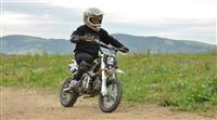Des motards en infraction sur le GR® 5 sur la crête des Vosges